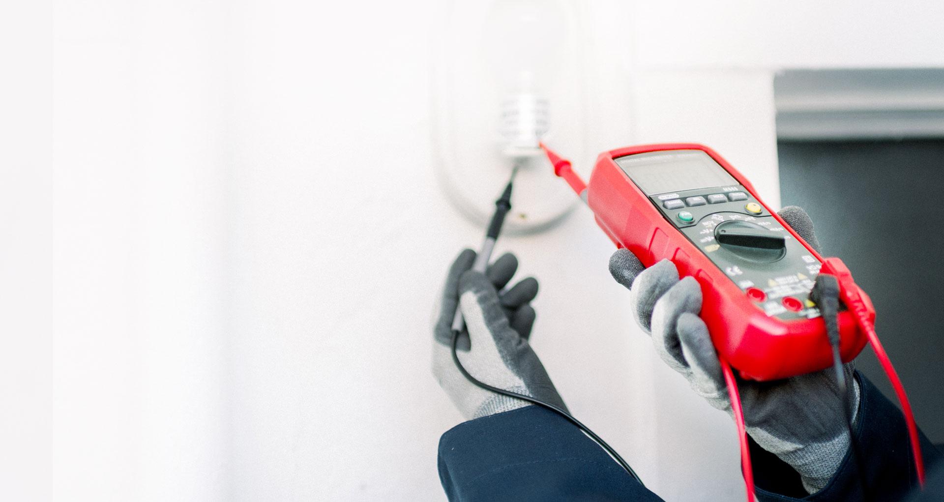 electricistas profesionales Borrano